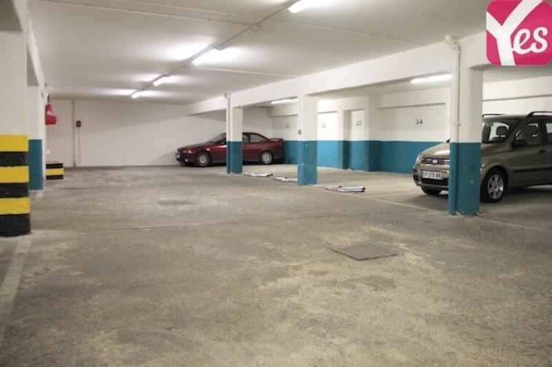 Location garage parking paris m nilmontant 20e for Garage hyundai paris 18