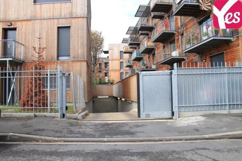 Location garage parking vitry sur seine 18m 47 mois for Garage volkswagen vitry sur seine
