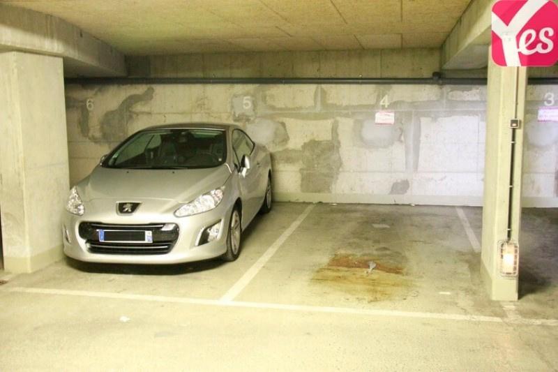 Location garage parking paris butte montmartre 18e for Garage ford la chapelle sur erdre