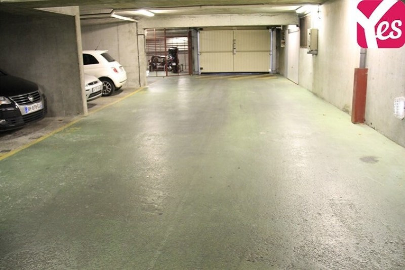 Location garage parking paris buttes chaumont 19e for Petit garage paris